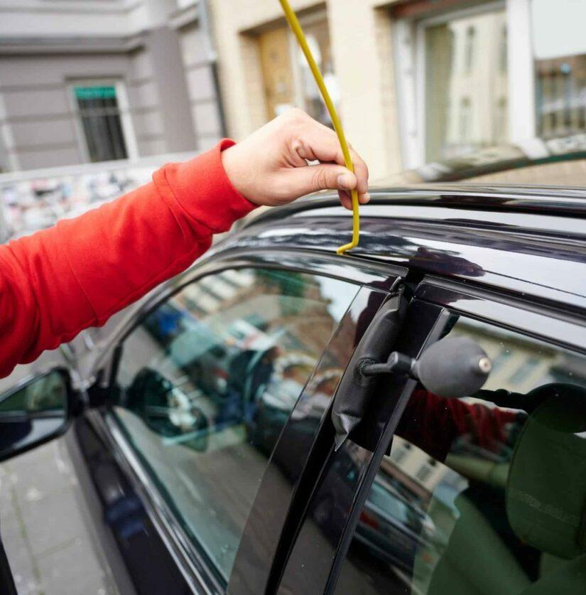 Schadenfreie Autoöffnung mit Luftkissen